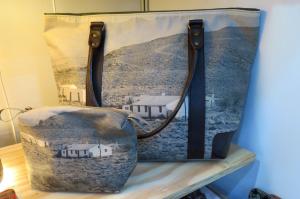 Everyday bag and large toilet bag with Karoo houses
