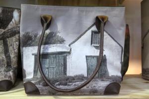 Hand bag with Karoo Shed